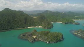 Seascape των νησιών Caramoan, Camarines Sur, Φιλιππίνες απόθεμα βίντεο