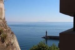 Seascape Φάρος πανί Νησί φαντασμάτων Στοκ Εικόνες