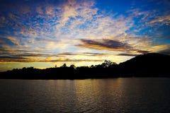 Seascape восхода солнца драматического золота голубой Стоковые Изображения RF