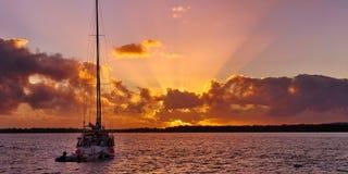 Seascape восхода солнца Crepuscular лучей Стоковые Фото