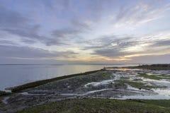 Seascape захода солнца портового района входа соленого болота Olhao Стоковое Изображение
