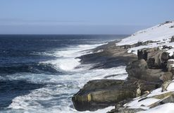 Seascape зимы вдоль следа ` s Троя отца в Ньюфаундленде Канаде, около Flatrock Стоковое Изображение