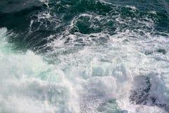 Seascape Разбивать развевает в морях Стоковые Изображения
