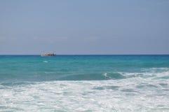Seascape с кораблем стоковая фотография rf