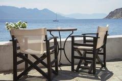 Seascape с стульями Стоковые Изображения