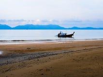 Seascape с шлюпкой Стоковые Фото