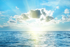 Seascape με τα σύννεφα Στοκ Φωτογραφία