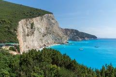 Seascape av blått vatten av den Porto Katsiki stranden, Lefkada, Ionian öar, Grekland Fotografering för Bildbyråer