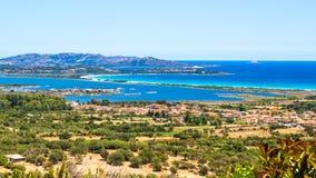 Seascape av den orientaliska kusten av Sardinia, Italien Arkivfoto