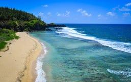 Seascape av Le Morne på sommar i Mauritius Royaltyfria Foton