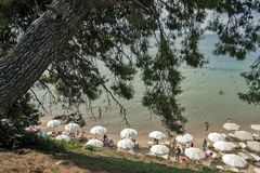 Seascape av Metamorfosi på den Sithonia halvön, Chalkidiki, centrala Macedo Royaltyfri Fotografi