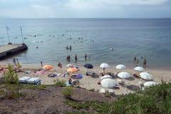 Seascape av Metamorfosi på den Sithonia halvön, Chalkidiki, centrala Macedo Royaltyfria Bilder