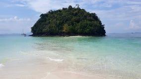Seascape bonito de Talay famoso Waek Tailândia despercebida em Krabi, mar de Andaman, Tailândia fotografia de stock royalty free
