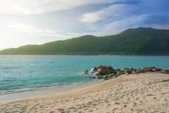 Seascape com céu azul Fotos de Stock Royalty Free