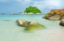 Seascape com ilha Imagens de Stock Royalty Free