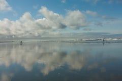 Seascape com nuvens fotografia de stock royalty free