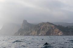Seascape com penhascos Fotografia de Stock Royalty Free