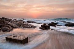 Seascape da caixa da rocha Imagens de Stock Royalty Free