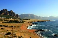 Seascape da costa do verão, Trapani - Sicília fotografia de stock royalty free
