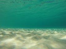 Seascape das caraíbas subaquático do aqua e da areia Imagem de Stock