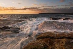 Seascape de pressa da onda Textured foto de stock
