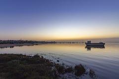 Seascape do alvorecer de pantanais parque natural de Ria Formosa, o Algarve Imagens de Stock Royalty Free