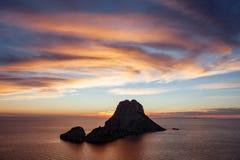 Seascape do por do sol na ilha do Es Vedra, Ibiza, Baleares, Espanha - imagem imagens de stock royalty free