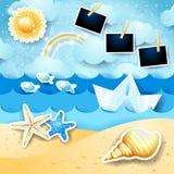 Seascape do verão com sol, o barco de papel e os quadros da foto imagens de stock