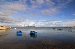 Seascape em águas calmas Imagens de Stock Royalty Free