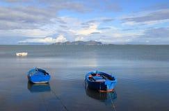 Seascape em águas calmas Fotografia de Stock Royalty Free