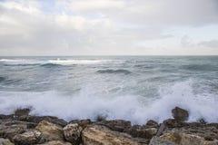 Seascape em um dia de inverno imagem de stock