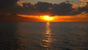 Seascape för lugna hav och solnedgång stock video
