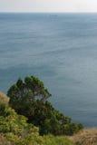 Seascape från den höga banken Royaltyfri Fotografi
