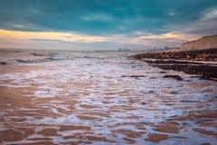 Seascape i söderna av England, Rottingdean strand Royaltyfria Bilder