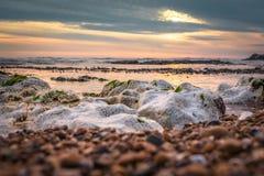 Seascape i söderna av England, Rottingdean strand Arkivbilder