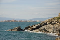 Seascape i sydostliga Catalonia royaltyfri fotografi