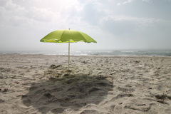 Seascape lös strand, havvågor Arkivbild
