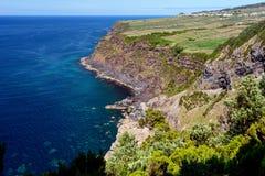 Seascape med klippan i terceria arkivbilder