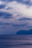 Seascape med klippor Arkivfoton