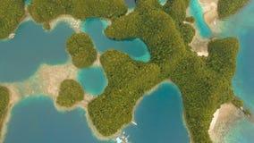 Seascape med lagun och ?ar stock video