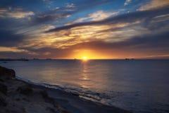 Seascape nära marina i Israel, Ashkelon Royaltyfri Bild