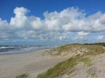 Seascape na Bałtyckiej brzegowej natury prezerwie z długim piaskowatym se obraz stock