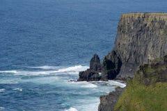 Seascape na costa Imagens de Stock Royalty Free