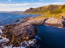 Seascape na ilha Noruega de Andoya imagem de stock