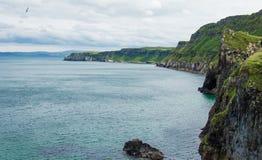 Seascape no Carrick-a-rede Fotografia de Stock Royalty Free