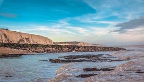 Seascape no sul de Inglaterra, praia de Rottingdean Fotografia de Stock Royalty Free
