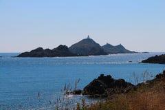 Seascape och fyr, Ajaccio, Korsika, Frankrike Royaltyfri Fotografi