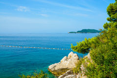Seascape och stenar i Montenegro, Europa Arkivfoton