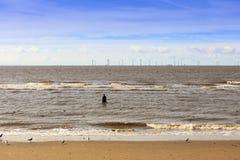 Seascape på den Crosby stranden i Liverpool Arkivfoto