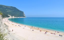 Seascape, raj plaża i naturalny krajobrazowy widok od Sirolo Conero, Marche Włochy Obrazy Stock